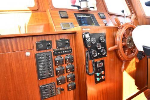 LeeZe Diesel Duck Trawler Pilot House Bilge Control