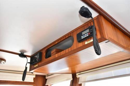 LeeZe Diesel Duck Trawler Pilot House Overhead 2