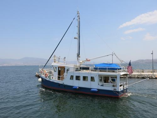 LeeZe departing the marina 1