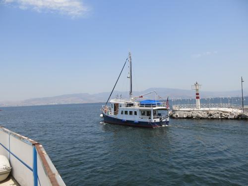 LeeZe departing the marina 2